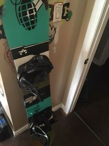 ROME garage rocker snowboard W/ Burton bindings