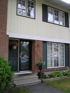 Awesome Carleton U  5 bedroom student rental for May 1 2017
