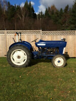 Ford 2000 Gas Farm Tractor