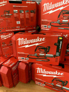 Milwaukee Grease Gun KIT 2646-22ct