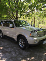 US VEHICLE/2005 Lincoln Aviator Wood/Black SUV, Crossover