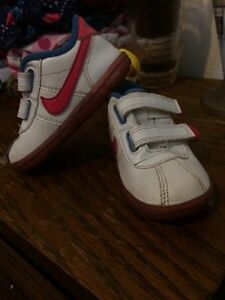 Toddler size 6 Nike shoes  London Ontario image 1
