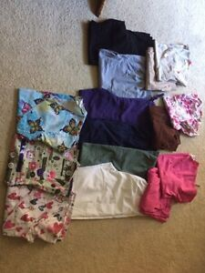 Small Scrubs for sale  Windsor Region Ontario image 1