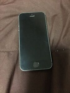 Great Condition Black iPhone 5s on Bell! Kitchener / Waterloo Kitchener Area image 1