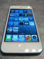 BLUE iPOD TOUCH 5TH GENERATION WITH 16 GB MEMORY AND CHARGER