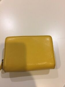 Leather Danier Wallet $20 Kingston Kingston Area image 5