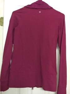 Size 4 Lululemon Sweater Kingston Kingston Area image 2