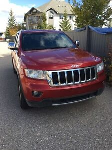 2011 Jeep Grand Cherokee limited **FULLY LOADED**