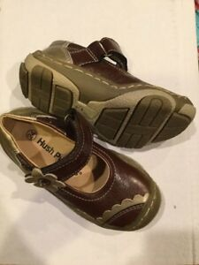 New Hush Puppies shoes - size 8