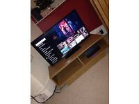 32inch TV, HDMI Cable & Stand