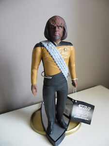 STAR TREK The Next Generation/Deep Space Nine Collectibles
