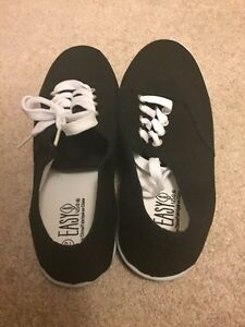 REDUCED! Black and White Sneakers NEVER WORN