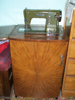 Meuble machine a coudre italienne/Sewing machine furniture piece