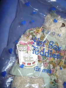 "AVON Hat Box Teddies Collectible Bear ""Emma"" - BRAND NEW & MINT! London Ontario image 3"