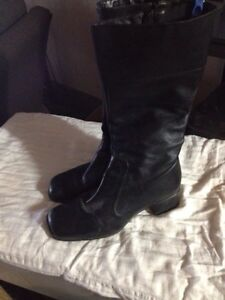 Hush puppy black leather boots
