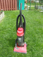 ASPIRATEUR  DIRT DEVIL FEATHERLITE