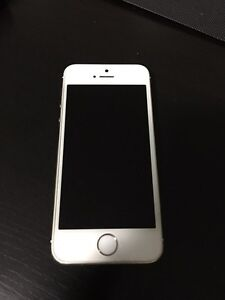 Rogers iPhone 5s - 16gb Gold, 9/10