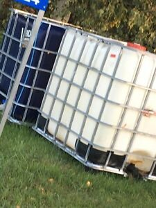 Réservoir 1000 litres  Saint-Hyacinthe Québec image 2