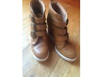 Ladies wedge ankle boots