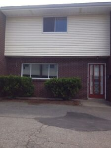 2 BEDROOM NEW GLASGOW HEAT/HOT WATER INCLUDED