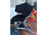 Mamas and Papas Urbo Black with car seat base and accessories