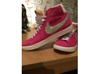 Ladies Nike trainers (non fitness)