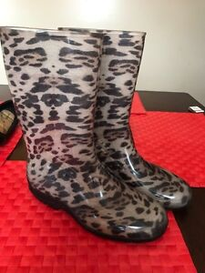 New rubber boots size 10 ladies