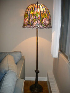 BEAUTIFUL HAND CRAFTED FLOOR LAMP