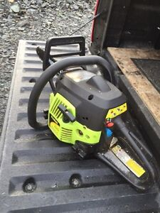 14 inch Poulan Chainsaw gas powered