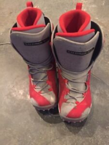 Youth snowboard boots