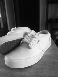 White vans size 8mens, worn once by a girl.