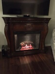 Full Size Electric Fireplace & Mantle