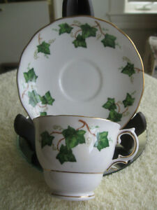 FINE BONE CHINA COLCLOUGH CUP & SAUCER [IVY PATTERN]