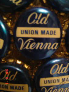 "ONE-OF-A-KIND ""OLD VIENNA BEER CAP"" LAMP FOR YOUR SPORTS MANCAVE Windsor Region Ontario image 2"