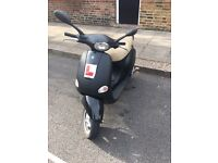 MATT BLACK VESPA 125 REG AS 50