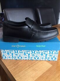 Boys clarks shoes size 5