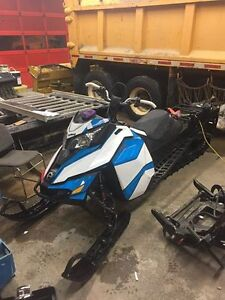 2016 Ski-Doo Summit X T3