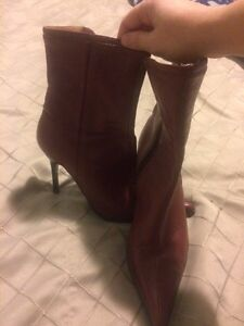Women's size 7 red leather boots London Ontario image 2