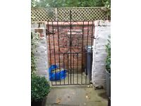 Cast iron gate 170cm x 93cm