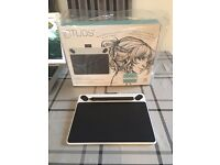 Wacom Intuos Drawing Tablet / Graphics Tablet & Pen