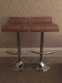 Bar stools - breakfast table chairs