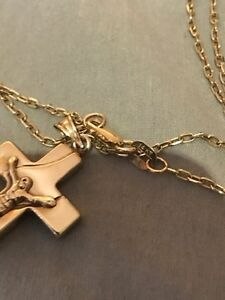14KT gold chain with cross
