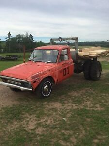 Looking for a 1970s Mazda B series pickup
