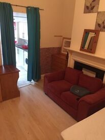 £850 inc bills! Large Studio With Terrace **AVAILABLE NOW**