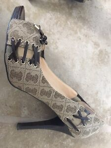 Guess Shoes, 3.5inch high heel, size 9.5 Kitchener / Waterloo Kitchener Area image 7