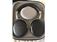 Parrot Zik 2 with parrot Zik carry case