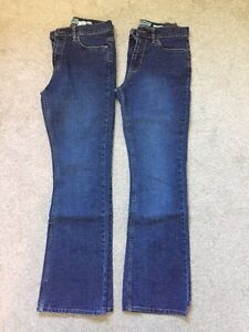 2 pairs  OLD NAVY Boot-Cut Jeans Gently Used  (8 regular)