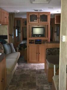 2011 Passport Ultra Lite 29' Bunkhouse travel trailer