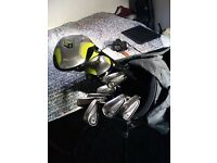 Golf clubs with bag, comfortable to carry easy stand bag, clubs in good condition