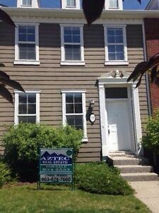 *PRICE REDUCED* Immaculate town home for sale in Rainbow Falls